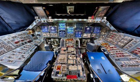 space shuttle discovery cockpit - photo #6